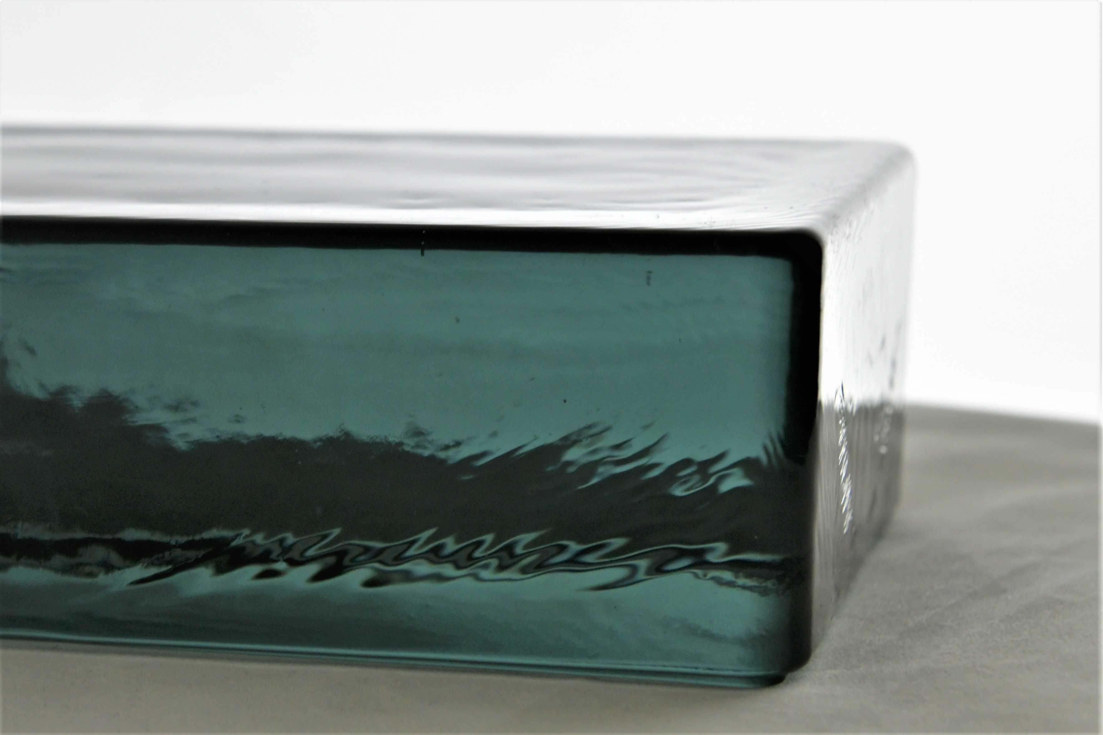 Cegły szklane glass brick glass blocks Glasspol Luksfer Luxfer Glassbausteine Wroclaw Trzebnica bez podpisu Fot Maciej Zaluski ( (19)-compressed